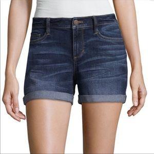 """🏰 A.n.a dark denim cuff shorts 5"""" 🎠"""